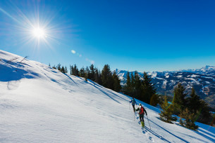 Snow shoeing at Les Houches, Chamonix Valley, Rhone Alps, Haute Savoieの写真素材 [FYI03767994]
