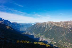 Chamonix Valley, Rhone Alps, Haute Savoieの写真素材 [FYI03767996]