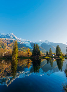 Lacs des Gaillands, Chamonix Valley, Rhone Alps, Haute Savoieの写真素材 [FYI03767998]