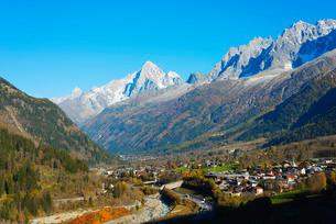 Les Houches, Chamonix Valley, Rhone Alps, Haute Savoieの写真素材 [FYI03768003]