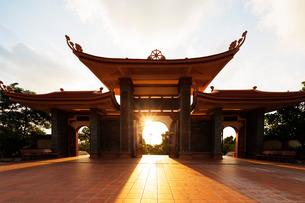Thien Vien Truc Lam Ho temple, Phu Quoc Island, Vietnam, Indochina, Southeast Asiaの写真素材 [FYI03768077]