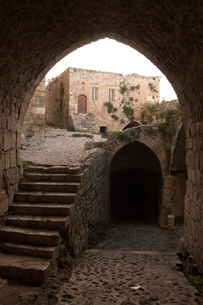 Archway in Krak des Chevaliers castle (Qala'at al-Hosn), Syria, Middle Eastの写真素材 [FYI03768114]
