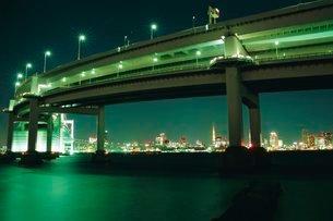 Odaiba, Rainbow Bridge, Tokyo, Japanの写真素材 [FYI03768120]