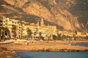 Menton, Alpes Maritimes, Cote d'Azur, French Rivieraの写真素材 [FYI03768457]