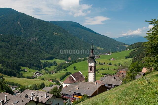 San Pietro, Funes Valley (Villnoss), Dolomites, Trentino Alto Adige, South Tyrolの写真素材 [FYI03768479]