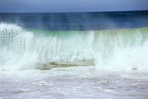 Waves, Copacabana, Rio de Janeiro, Brazilの写真素材 [FYI03768720]