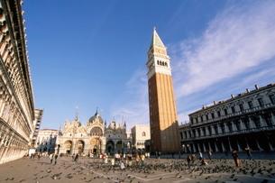 Piazza San Marco (St. Mark's Square), San Marco basilica (St. Mark's Christian basilica) and San Marの写真素材 [FYI03768738]