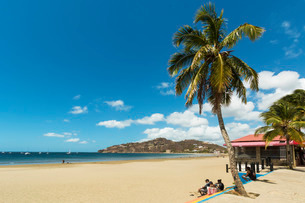 The half moon town beach at this popular tourist hub for the southern surf coast, San Juan del Sur,の写真素材 [FYI03768891]