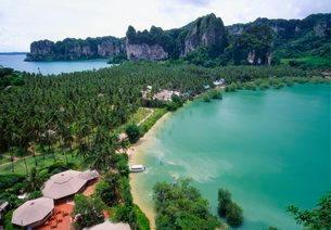 Holiday Resort at Rai Leh Bay, Krabi, Thailandの写真素材 [FYI03768936]