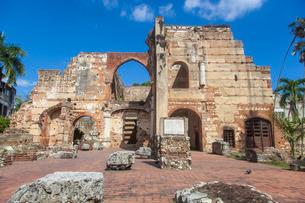 Ruinas del Hospital San Nicolas de Bari, Colonial Zone, Santa Domingo, Dominican Republic, Caribbeanの写真素材 [FYI03769061]