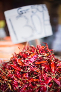 Spicy red chillies, Kandy, Central Province in the Sri Lanka Highlands, Sri Lankaの写真素材 [FYI03769185]
