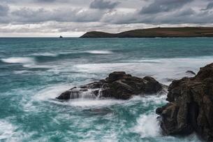 Trevose Head, seen from Constantine Bay, Cornwallの写真素材 [FYI03769242]