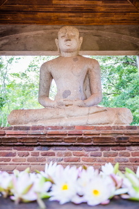 Samadhi Buddha statue, Anuradhapura, Cultural Triangle, Sri Lankaの写真素材 [FYI03769581]