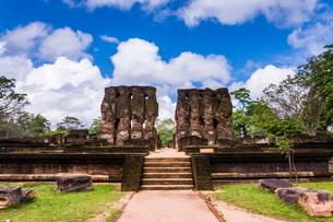 Parakramabahu's Royal Palace, Polonnaruwa, Cultural Triangle, Sri Lankaの写真素材 [FYI03769606]