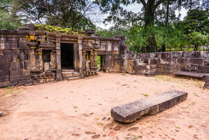 Shiva Devale No 1, ruins of a Hindu Temple, Polonnaruwa, Sri Lankaの写真素材 [FYI03769613]