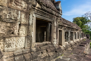 Baphuon Temple in Angkor Thom, Angkor, Siem Reap Province, Cambodia, Indochina, Southeast Asiaの写真素材 [FYI03769765]