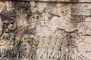 Bas-relief carvings in Bayon Temple in Angkor Thom, Angkor, Siem Reap Province, Cambodia, Indochina,の写真素材 [FYI03769784]