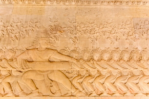 Bas-relief frieze at Angkor Wat, Angkor, Siem Reap Province, Cambodia, Indochina, Southeast Asiaの写真素材 [FYI03769793]