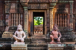 Banteay Srei Temple in Angkor, Siem Reap Province, Cambodia, Indochina, Southeast Asiaの写真素材 [FYI03769802]