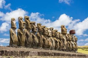 Fifteen moai at the restored ceremonial site of Ahu Tongariki on Easter Island (Isla de Pascua) (Rapの写真素材 [FYI03769840]