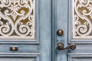 Door detail in the town of Visby, Gotland Island, Sweden, Scandinaviaの写真素材 [FYI03769934]