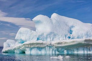 Clouds forming over glacial iceberg at Devil Island, Weddell Sea, Antarcticaの写真素材 [FYI03770001]