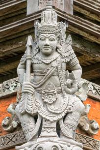 Pura Taman Ayun Temple, Sculptures of the Bale basement (Wood pavilion), Mengwi, Bali, Indonesia, Soの写真素材 [FYI03770958]