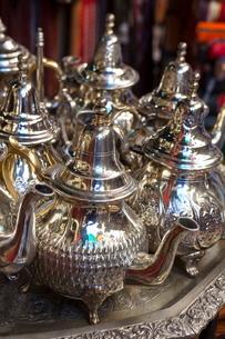 Traditional tea pots, Fes el Bali Medina, Fezの写真素材 [FYI03771075]