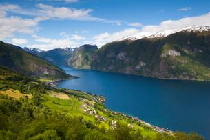Aurlandsvangen Overview, Aurlands Fjord, Sogn og Fjordane, Norway, Scandinaviaの写真素材 [FYI03771148]