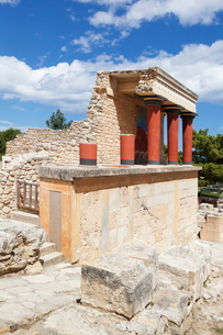 Minoan Palace, Palace of Knossos, North Entrance, Iraklion (Heraklion) (Iraklio), Crete, Greek Islanの写真素材 [FYI03771564]