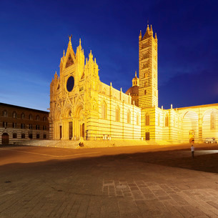 Piazza del Duomo, Santa Maria Assunta Cathedral, Siena, Siena Province, Tuscanyの写真素材 [FYI03772036]