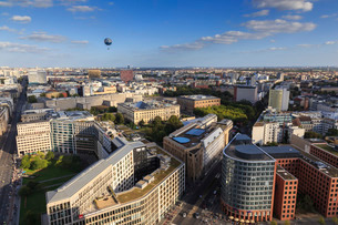 Elevated view, Hi-Flyer over Leipziger Strasse to Stresemannstrasse area, from Panoramapunkt, Potsdaの写真素材 [FYI03772838]