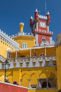 Colors and decoration of the romanticist castle Palacio da Pena, Sao Pedro de Penaferrim, Sintra, Liの写真素材 [FYI03773105]