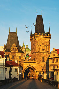 Charles Bridge, Pragueの写真素材 [FYI03774621]