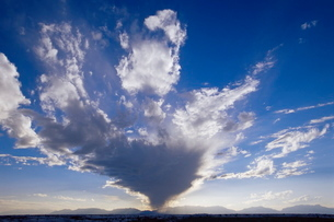 Storm cloud, White Sands National Monument, New Mexico'の写真素材 [FYI03774699]