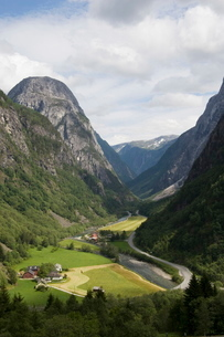 Glacial valley, Stalheim, Norway, Scandinaviaの写真素材 [FYI03774764]