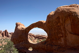 Double O Arch, Arches National Parkの写真素材 [FYI03774904]