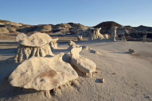 Hoodoos, Bisti Wilderness, New Mexico'の写真素材 [FYI03775845]