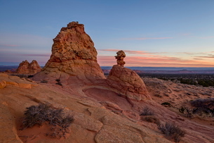 Sandstone formations at dawn with pink clouds, Coyote Buttes Wilderness, Vermilion Cliffs National Mの写真素材 [FYI03776272]
