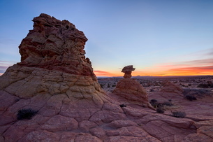 Sandstone formation at dawn with orange clouds, Coyote Buttes Wilderness, Vermilion Cliffs Nationalの写真素材 [FYI03776273]