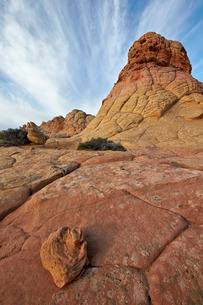 Sandstone formations and rock with clouds, Coyote Buttes Wilderness, Vermilion Cliffs National Monumの写真素材 [FYI03776323]