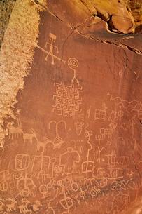 Petroglyphs, Vermilion Cliffs National Monument, Arizona'の写真素材 [FYI03776332]