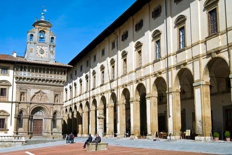 The building of Fraternita dei Laici, Piazza Vasari or Piazza Grande, Arezzo, Tuscanyの写真素材 [FYI03776957]
