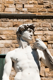 David  by Michelangelo dating from the 16th century, Piazza della Signoria, Florence (Firenze), Tuscの写真素材 [FYI03776963]