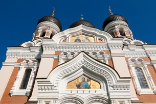 Russian Orthodox Alexander Nevsky cathedral in Toompea, Old Town, Tallinn, Estoniaの写真素材 [FYI03777008]