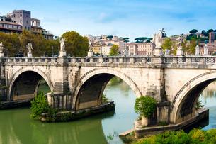 Ponte Sant'Angelo, river Tiber, Rome, Latiumの写真素材 [FYI03777051]