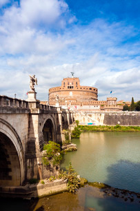 Mausoleum of Hadrian known as Castel Sant'Angelo, Ponte Sant'Angelo, Tiber River, Rome, Latiumの写真素材 [FYI03777056]