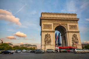 Arc de Triomphe, Parisの写真素材 [FYI03777168]
