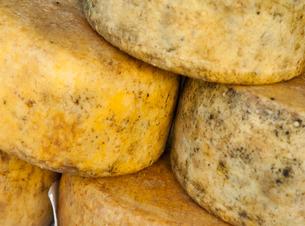 Cheese in the market, Ajaccio, Corsicaの写真素材 [FYI03777677]