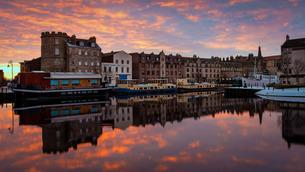 The Shore at sunrise, Leith, Edinburgh, Scotlandの写真素材 [FYI03777714]